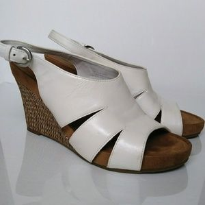 AEROSOLES White Slingback Wedges Size 7.5